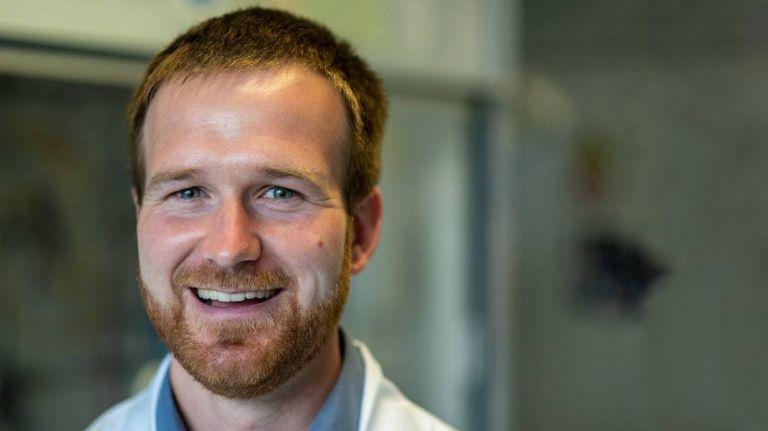 Dr. Niels Weidmann testete die neue Vakuumpumpe VACUU·PURE®